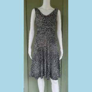 MAGGY LONDON Petites Black White Ruched Dress 2P
